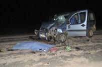 Otomobil İle Motosiklet Kafa Kafaya Çarpıştı Açıklaması 1 Ölü, 2 Yaralı