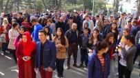 SINAV MERKEZLERİ - Yozgat'ta Öğrenciler Sınavda, Aileler Dışarıda Ter Döktü