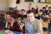 SERINOVA - Köy Okulu Öğrencilerine Kur'an-I Kerim Meali Hediye Ettiler