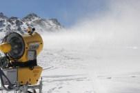 KAYAK SEZONU - Erciyes'te Kayak Sezonu Devam Ediyor