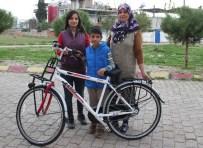 ABDULLAH ASLAN - Aydın'da Öksüz Ve Yetimler Sevindiriliyor