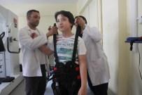 YÜRÜME CİHAZI - 11 Yaşındaki Seymen, Robotik Yürüme Cihazıyla Yürümeye Başladı