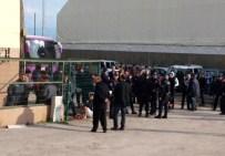 GEBZESPOR - Amatör Maçta Taraftarlar Birbirine Girdi