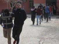POLİSE SALDIRI - Korsan Gösteriye Katılan PKK Yandaşları Adliyeye Sevk Edildi