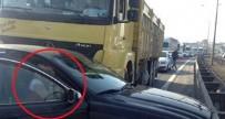 FULDEN URAS - Fulden Uras Trafik Kazası Geçirdi