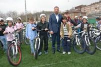 NUH ÇIMENTO - İzmit'te 705 Öğrenciye Ücretsiz Bisiklet Hediye Edildi