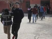 POLİSE SALDIRI - PKK Yandaşlarına 19 Tutuklama