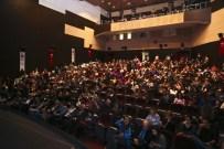 SUMRU YAVRUCUK - Tiyatro Festivali'nde 'Shirley' Sahnelendi