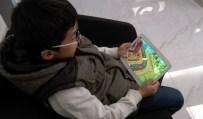 OYUN BAĞIMLILIĞI - Çocuğunu Zararlı Oyunlardan Korumak İsteyen Doktor Eğitici Oyun Geliştirdi