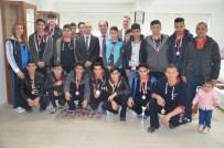 Soma Eml Öğrencileri Boks'ta Fırtına Gibi Esti