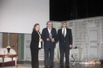 SIVAS DEVLET TIYATROSU - 'Yaşam Boyu Başarı Ödülü'  Usta Tiyatrocu Özyağcılar'ın