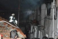 DAR SOKAKLAR - Patlayan Elektrik Trafosu Ev Yandı
