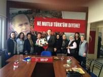 MHP İl Başkanı Sever'den Kadın Kollarına Çiçek