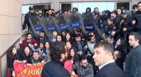 ÇAĞDAŞ HUKUKÇULAR DERNEĞİ - Adliye Önünde Avukatlara Müdahale