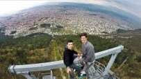 PAVEL - Dünyanın en uzun teleferiğinde tehlikeli selfie