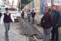 Okul Önündeki İnşaat Demirlerine Velilerden Tepki