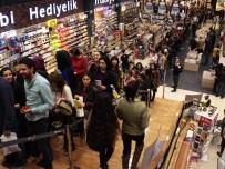 ORHAN PAMUK - Adana'da Orhan Pamuk'a Büyük İlgi