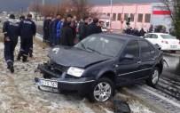 HIKMET ÖZDEMIR - Aksaray'da Zincirleme Trafik Kazası Açıklaması 4 Yaralı