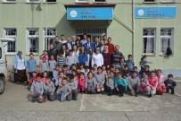 Forum Trabzon'dan Köy Okuluna Kütüphane