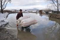 RAMAZAN YIĞIT - Muş'ta Sel Baskını