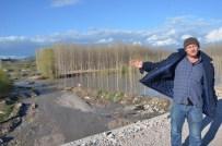 Soma'da Bakırçay Taştı, Araziler Göle Döndü