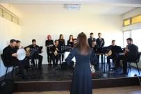 DEDE EFENDI - Buselik Makamında Şarkılar Dinleyenleri Mest Etti