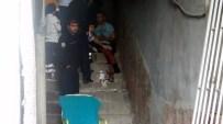 KARAKıZ - Kavga Etti Bıçaklandı Yardıma Gelenleri Reddetti