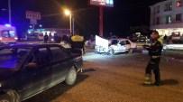 YAHYALAR - Düzce'de 2 Otomobil Çarpıştı Açıklaması 1 Yaralı