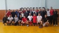 NEBIOĞLU - Rize'de Kamp Yapan Hentbol A Milli Takımı'na Moral Ziyareti