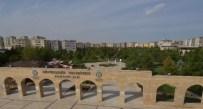 KİRA BORCU - Diyarbakır'da Belediyeye Ait Sosyal Tesisler Artıyor