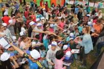 SİHİRBAZLIK - Döşemealtı Çocuk Şenlikleri Başladı