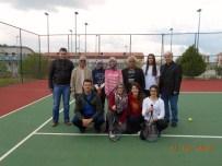 ÇALDAĞ - Evliya Çelebi Anadolu Lisesi Kız Kort Tenisi Takımı İzmir Bölge Yarışlarında
