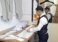 MEHMET MEHDİ EKER - Cumhurbaşkanı Ve Başbakan'a Özel Gömlek