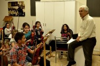 GÜRER AYKAL - Tepebaşı Belediyesi 'İki Elin Sesi Var' Çocuk Senfoni Orkestrası'na Övgüler