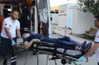 SERVİS OTOBÜSÜ - Eskişehir'de Trafik Kazası Açıklaması 5 Yaralı