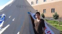 MEHMET ÇIÇEK - Ergani'de İşten Çıkarılan 14 İşçi Açlık Grevine Başladı