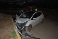 Batman'da İki Otomobil Çarpıştı 8 Açıklaması Yaralı