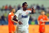 SAMUEL ETOO - Eto'o 'Yılın futbolcusu ve kaptanı' seçildi