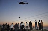Paraşütçü Helikopterin Rüzgarıyla Yere Çakıldı