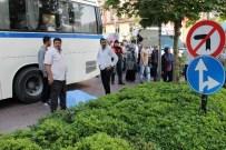 MESİR FESTİVALİ - Annesiyle Yolun Karşısına Geçerken Otobüsün Altında Kaldı