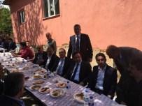 SERDAR DEMİRHAN - Akçadağ'da Protokol Üyeleri Yemekte Bir Araya Geldi
