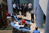 ÖMER ÇIÇEK - Polis Kan Bağışladı