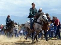 AK PARTİ İL BAŞKAN YARDIMCISI - Bursa'da Rahvan AT Yarışları Nefes Kesti