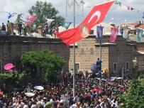 MESİR MACUNU FESTİVALİ - Kubbe Ve Minarelerden 476'Ncı Kez Mesir Yağdı