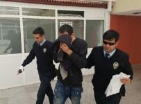BEKIRPAŞA - Duvarı Delerek Kuyumcuyu Soymak İsteyen Şahıs Yakalandı
