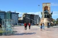 YAYALAŞTIRMA - Taksim'de 1 Mayıs Hazırlığı
