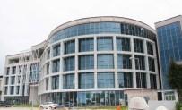 Ağız Ve Diş Sağlığı Merkezi 'Yangın Merdiveni'ne Takıldı
