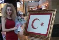 EBRU SANATı - Ebru, Tezhip, Minyatür Ve Kaat'ı Sanatından Eserler Piazza'da Sergilendi