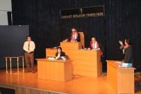 Turgutlu'da 'Duruşma Başlıyor' Oyunu Beğenildi