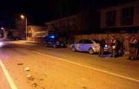 KOZCAĞıZ - Virajı Alamayan Otomobil Duvara Çarptı Açıklaması 2 Yaralı